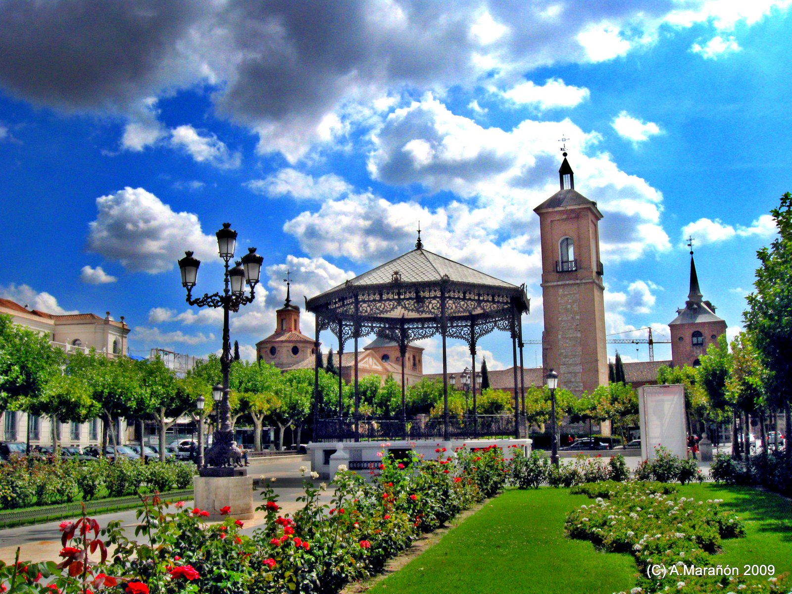 All my madrid details lady in spain - Pintores alcala de henares ...